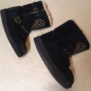 (Girls 1) Studded Ugg Boots